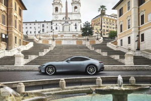 Ferrari представив новий суперкар без дверних ручок