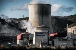 Франция на месяц приостановила АЭС из-за землетрясения