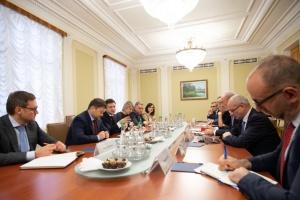 Zelensky et les ambassadeurs du G7 ont discuté de la corruption et des réformes