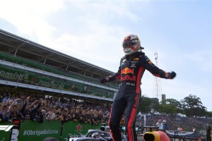 Формула-1: Ферстаппен победил на Гран-при Бразилии