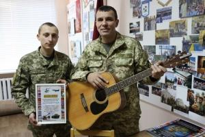 На Міжнародному фестивалі військової авторської пісні переміг гурт з Десни