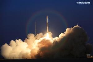 Китай запустив два супутники для тестування зв'язку