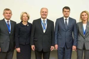 Razumkov agradece al presidente del Seimas lituano por apoyar a Ucrania