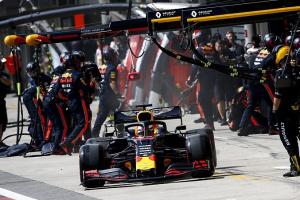 """""""Формула-1"""": У Сан-Паулу встановили новий рекорд за швидкістю піт-стопа"""