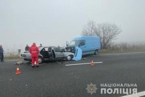 Смертельное ДТП на Тернопольщине: лоб в лоб столкнулись микроавтобус и легковушка