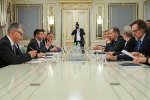 Зеленский встретился с Маасом — говорили о ситуации на Донбассе и Nord Stream 2