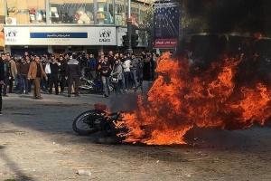 """Під час """"бензинових протестів"""" у Ірані загинули понад 100 осіб"""
