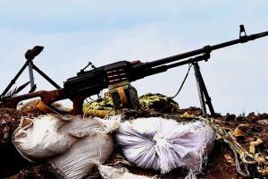 """На Донбасі — 10 порушень """"тиші"""", окупанти застосовують міномети і СПГ"""