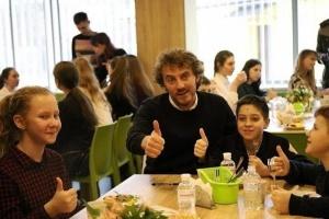 В Черновцах школьников будут кормить по рецептам Евгения Клопотенко
