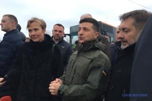 ゼレンシキー大統領、スタニツャ・ルハンシカ引き離し地点視察