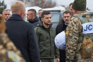 Zelensky s'est rendu à Stanytsya Louhanska