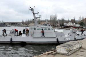 Statki marynarki wojennej zwolnione z aresztu rosyjskiego wpłynęły do ukraińskiego portu