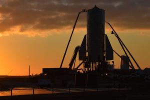 Во время испытаний взорвался прототип новой ракеты SpaceX