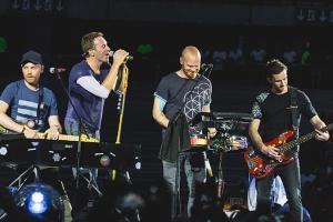 Рок-группа Coldplay отложила гастроли из-за опасности концертов для экологии