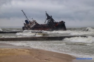 Аварія танкера біля Одеси: забруднення води перевищує норму у 53 рази