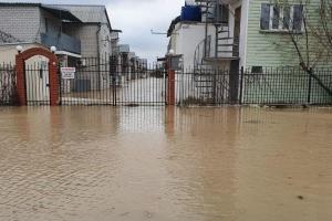 Море затопило чотири десятки баз відпочинку в Кирилівці