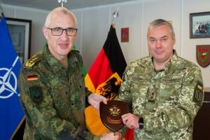 Делегация ВСУ посетила спецштаб НАТО по планированию военных операций