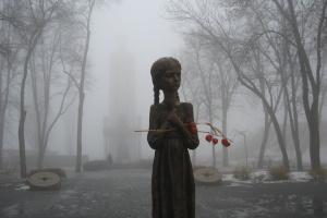 Отреставрированную «Девочку с колосками» возвращают в Музей Голодомора