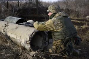 """Окупанти шість разів порушили """"тишу"""" на Донбасі, поранений боєць ЗСУ"""