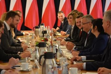 Polska udzieli Ukrainie 15 000 dodatkowych zezwoleń na transport lub tranzyt towarów przez Polskę
