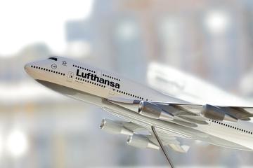 """Lufthansa получит """"карантинную"""" помощь от Германии"""
