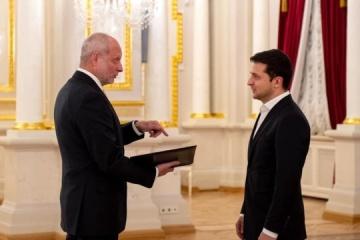 New EU ambassador presents credentials to Ukrainian president