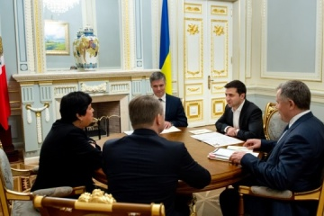 Zelensky receives credentials from ambassadors of four countries