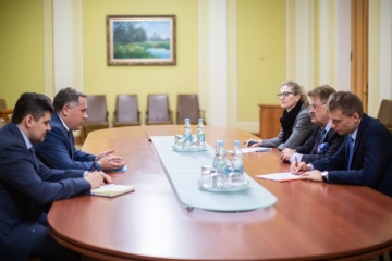 Brok: l'UE maintiendra les sanctions contre la Russie jusqu'à la mise en œuvre complète des accords de Minsk