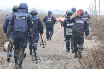 In Bohdaniwka und Petriwske mit Minenräumung begonnen