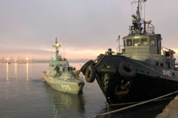 Russia returns seized ships to Ukraine
