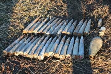 引き離し地点ペトリウシケにて、157個の爆発物を無力化