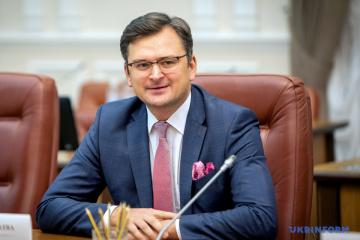 Kuleba trata con la ministra española de Exteriores la aceleración de la firma de un Acuerdo del Área Común de Aviación
