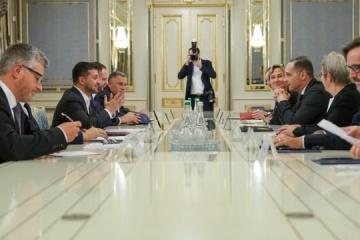 Zełenski spotkał się z Maasem - rozmawiał o sytuacji w Donbasie i Nord Stream 2