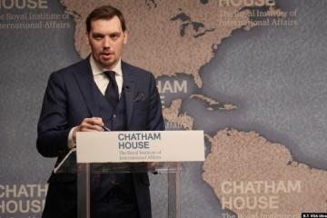 En visite à Londres, Olexiy Hontcharouk affirme que l'État ukrainien ne cèdera pas la PrivatBank