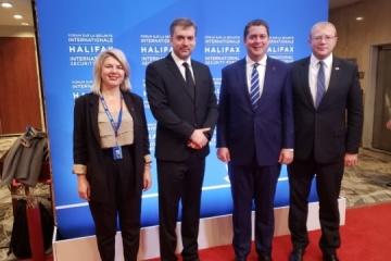 L'opposition canadienne supporte le gouvernement sur des questions d'assistance à l'Ukraine