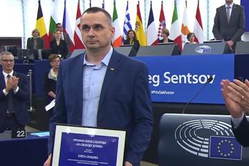 Oleh Senzow nimmt Sacharow-Preis in Europaparlament entgegen