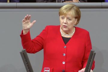 メルケル独首相「NATOは現在冷戦時以上に重要」