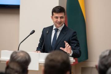 Zelensky calls on Lithuanian businessmen to invest in Ukraine