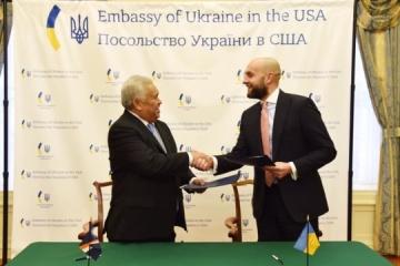 Ucrania firma un acuerdo de exención de visados con las Islas Marshall