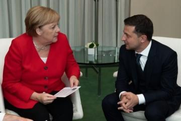 Zelensky, Merkel in phone call discuss preparations for Normandy meeting