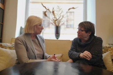 Denísova y Šabatová tratan la protección de los derechos de los trabajadores ucranianos  en la República Checa