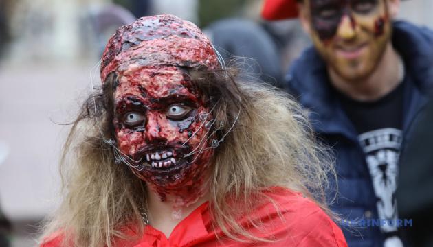 Форум у Маріуполі, дуля Дубневича й хода зомбі