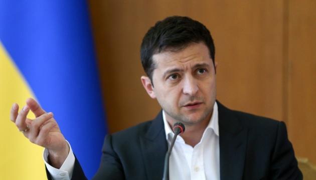 Volodymyr Zelensky a félicité Klaus Iohannis pour sa réélection à la présidence de la Roumanie