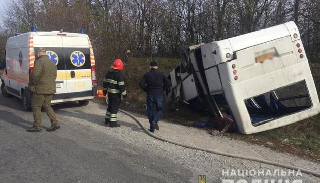 ДТП з автобусом на Хмельниччині: кількість постраждалих зросла до 13