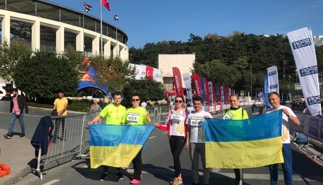 Українська громада і дипломати взяли участь в Стамбульському марафоні