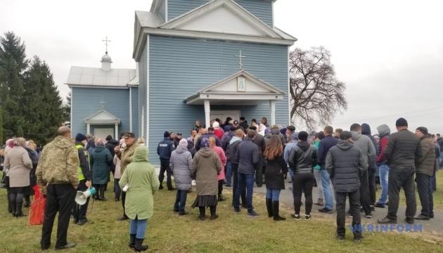 На Житомирщині закрили храм через конфлікт між вірянами ПЦУ і Московського патріархату