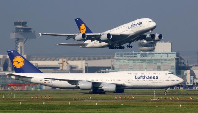 Lufthansa сокращает больше рейсов и рабочих мест, чем предполагалось
