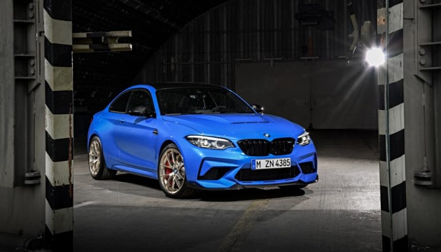 BMW випустив лімітовану модель з використанням вуглепластика