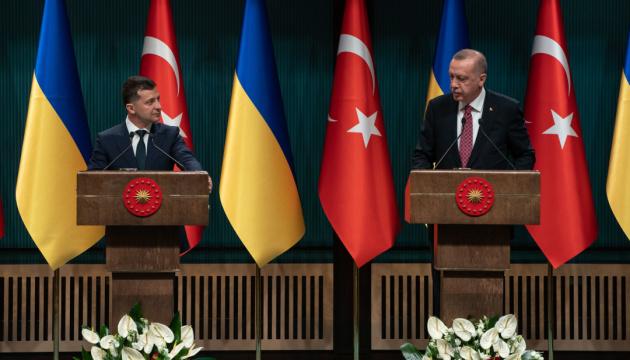 Volodymyr Zelensky a discuté d'un accord de libre-échange avec Recep Tayyip Erdoğan