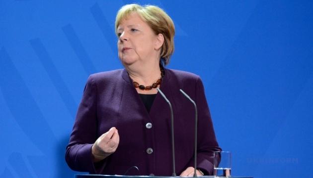 Меркель вважає, що 2% на оборону — це  реально, але не одразу